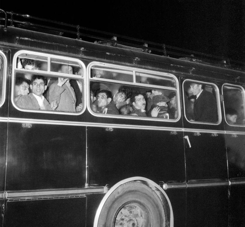 Dans les bus